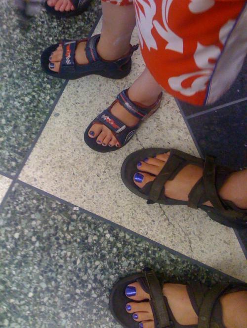 purple_toes